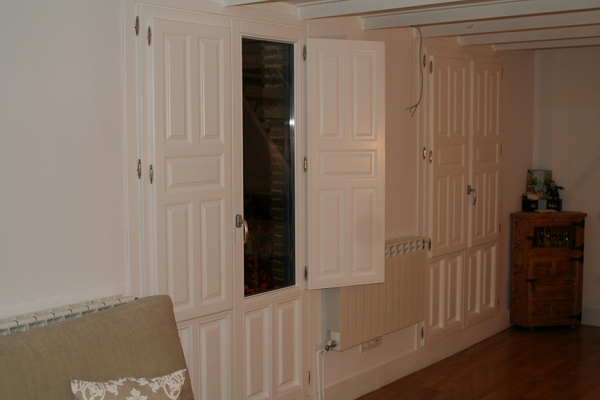 madrid calle peascales puertas balconeras lacadas en dos colores de diseo y con fraileros ciegos plafonados de madera de pino laminado